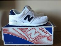 Unisex White and Navy New Balance Trainers size 7