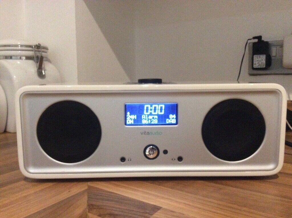 Vita/Ruark R2i DAB Radio/Docking Station System, What Hi-Fi 5 Stars, Superb    in Bishopbriggs, Glasgow   Gumtree