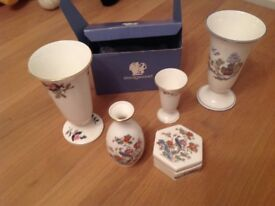 Wedgewood china 4 pieces plus 1 St Micheal vase