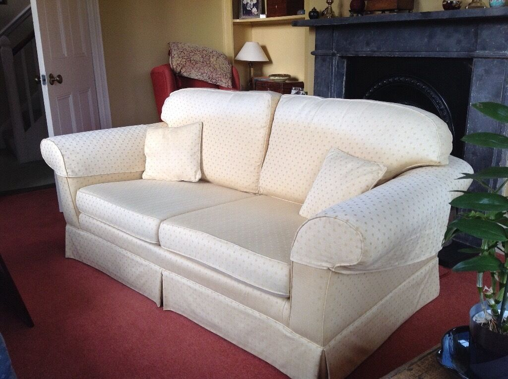 laura ashley winchester large two seat sofa in ipswich suffolk gumtree. Black Bedroom Furniture Sets. Home Design Ideas