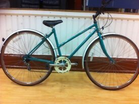 "Ladies hybrid: fully refurbished 18"" Raleigh Commuter: 7-speed"