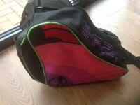 SFR ROLLER BLADE / INLINE SKATES CARRY BAG, BLACK AND PINK, ZIP FRONT, POCKETS, SHOULDER STRAP