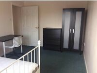 Double room in a shared house Bournemoth town center