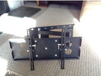 """Wall mounted bracket 26"""" - 37"""" Flat screen TV with swivel/tilt function and leveller"""