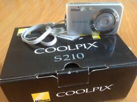 Nikon Coolpix S210 Compact Digital Camera
