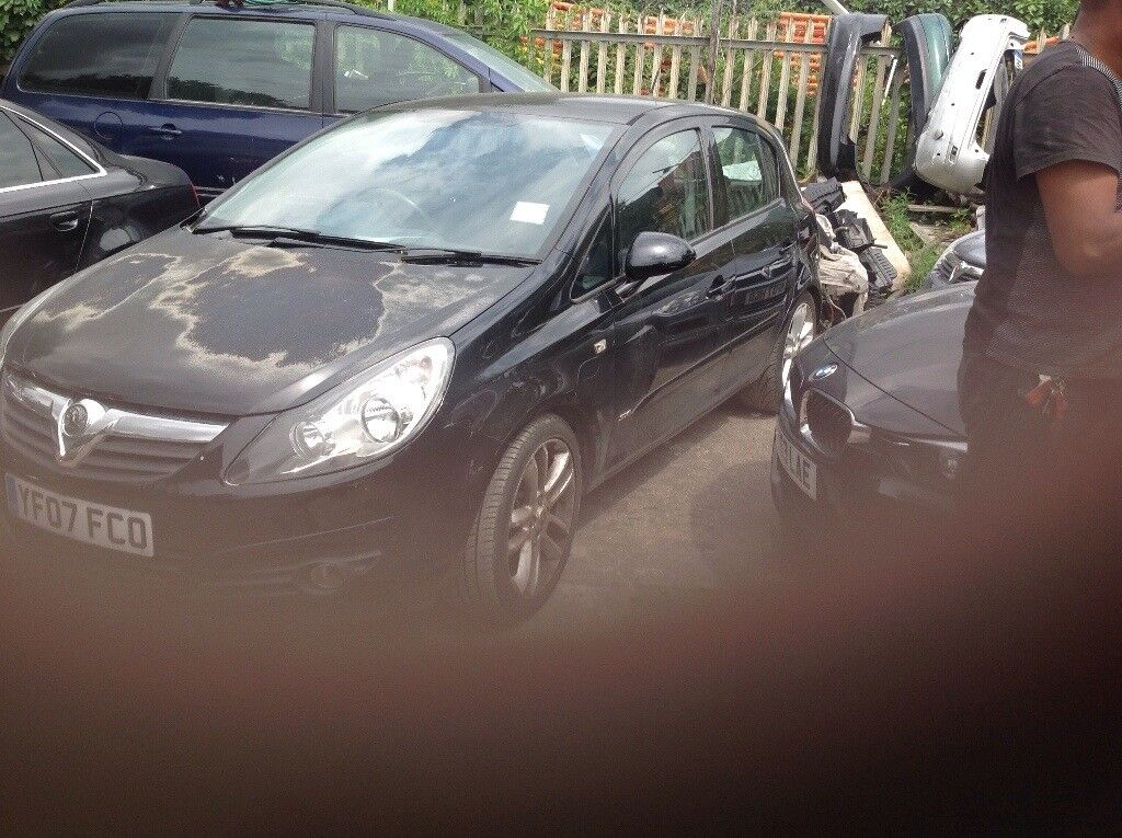 Vauxhall corsa d 2007 breaking parts available