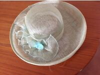 Hat, pale green, suitable for wedding, with box
