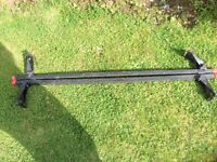 Universal car roof rack in excellent condition.