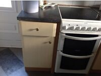 Kitchen base units various £75