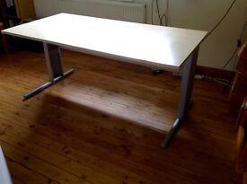 1600mm Straight Office Desk in Maple Effect