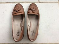 Tan loafer with tassle. Marks and Spencers Footglove wider fit size 5 1/2. Excellent condition.