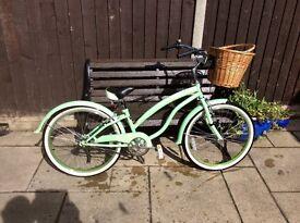 Girls/small lDies bike