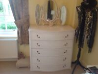Shabby chique bedroom furniture.