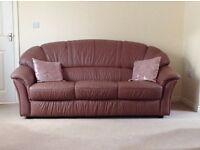 3 piece suite. Excellent condition. £200!!!