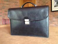 Texier Men's Black Leather Briefcase with Combination Lock