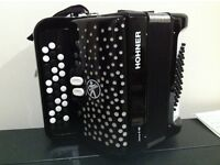 Hohner 3 row button chromatic accordion c system 48 bass like new including case