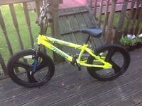 Kids bmx bike in Yellow. Cost £85 - selling for £30