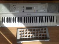 Yamaha PSR303 Electronic Keyboard