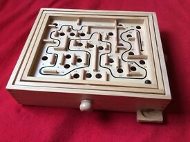 Labyrinth maze board game