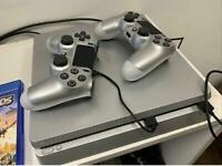 PlayStation 4 Slim 500 Gb Limited Edition 2 Controllers