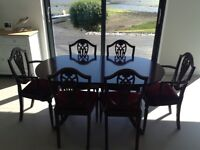 Dining table and 6 chairs William Bartlett in very good condition