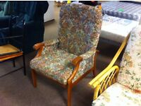 Excellent condition!!! Floral patterned armchair lounge chair