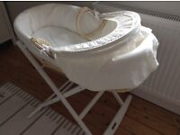 Moses basket & rocking stand