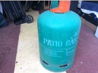 Patio gas bottle. ( full)