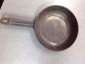 Assorted Cast Iron Cooking Pans  (SKU:R4ENKA, QYSCJG, USY5SC)