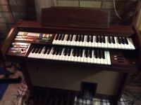 Technics PCM E22L electronic organ