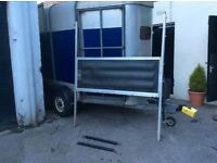 Ifor Williams horse trailer box centre partition & two breast bars