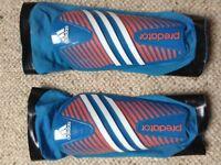 Adidas predator boys childrens junior blue football shin pads medium ?10-14 years