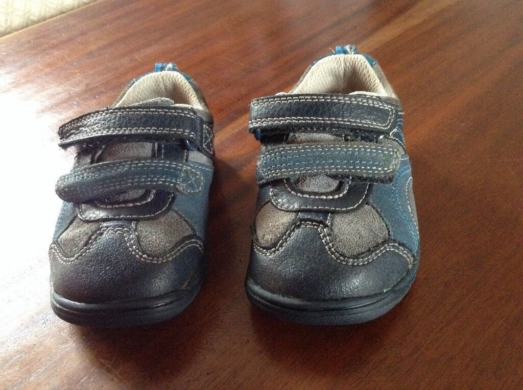 Boys Clarkes First Shoes Size 4 1/2