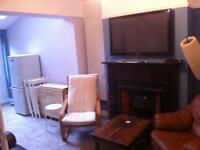 Single room in modern house off lisburn rd