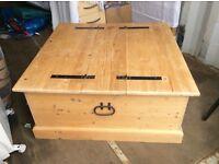 Toy box/storage box