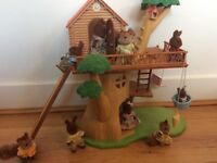 Sylvanian Families tree house including 11 characters!!