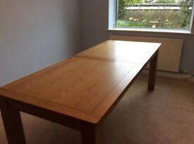 Beautiful Solid Oak Extending Dining Table DOES NOT include chairs
