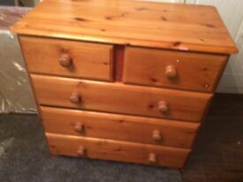 Oak colouered chest of draweres good condition
