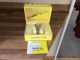 Boxed Invicta men's pro diver stainless steel watch.