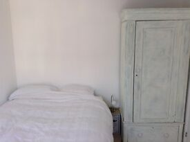 Sunny, double room to rent in Fishponds, Monday-Friday