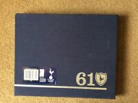 Spurs 61 double history book with dust sleeve, collectible item