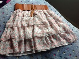Flowery skirt with corset style waistband