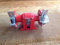 Brand new 200 w 220/240 Volt Wolf bench grinder type 8313