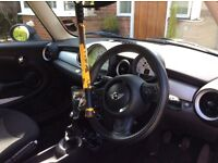 Car steering wheel security device