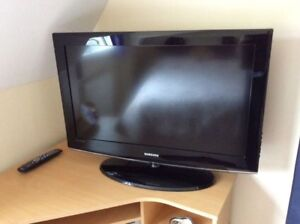 Samsung 40 inch LCD with pc OUTPUT