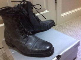 Brand new men's size 9 boots