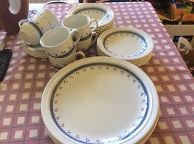 6 place setting dinner service