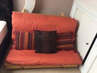 Pine futon