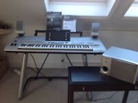 Yamaha Tyros 3 keyboard complete with Yamaha speaker system TRS-MS01 and stand
