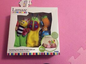Lamaze gardenbug foot finder and wrist rattle set new